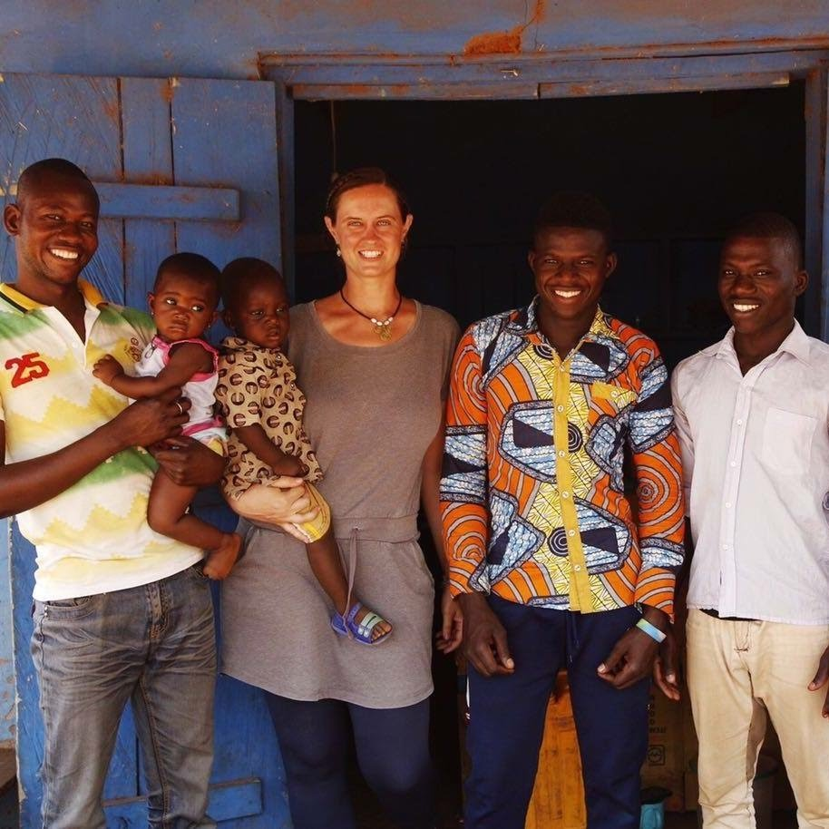 Photo of Jessi Carver with 5 other people she is serving in the Peace Corps Ghana Carver